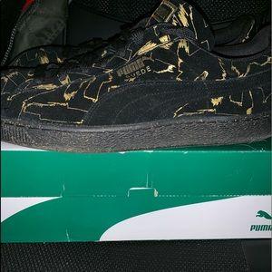 new product 29272 d45c2 Puma Shoes   Suede Brush Emboss Metallic Sneakers   Poshmark